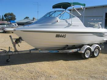 Boat Dealers Listing